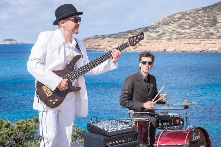 Wooda-sunglasses-Ibiza-gafas-de-sol-de-madera-organic-sunglasses